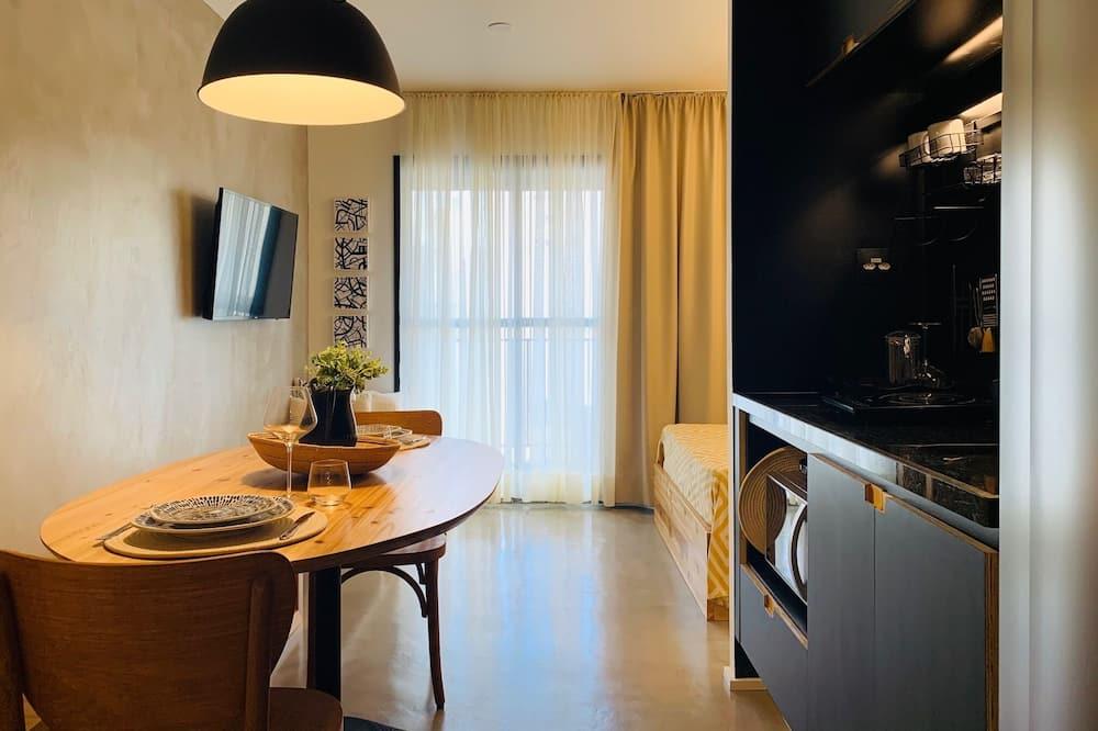 Design - kahden hengen huone - Ruokailu omassa huoneessa