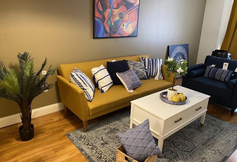 1 BR Apt in the Heart of Downtown, Smart Tv Fast Wifi, Memphis, Living Room