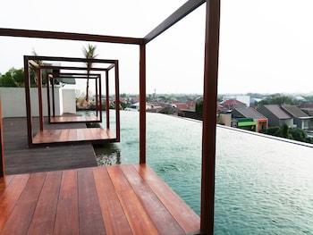 Fotografia do Cozy and Comfort Studio Grand Kamala Lagoon Apartment em Bekasi