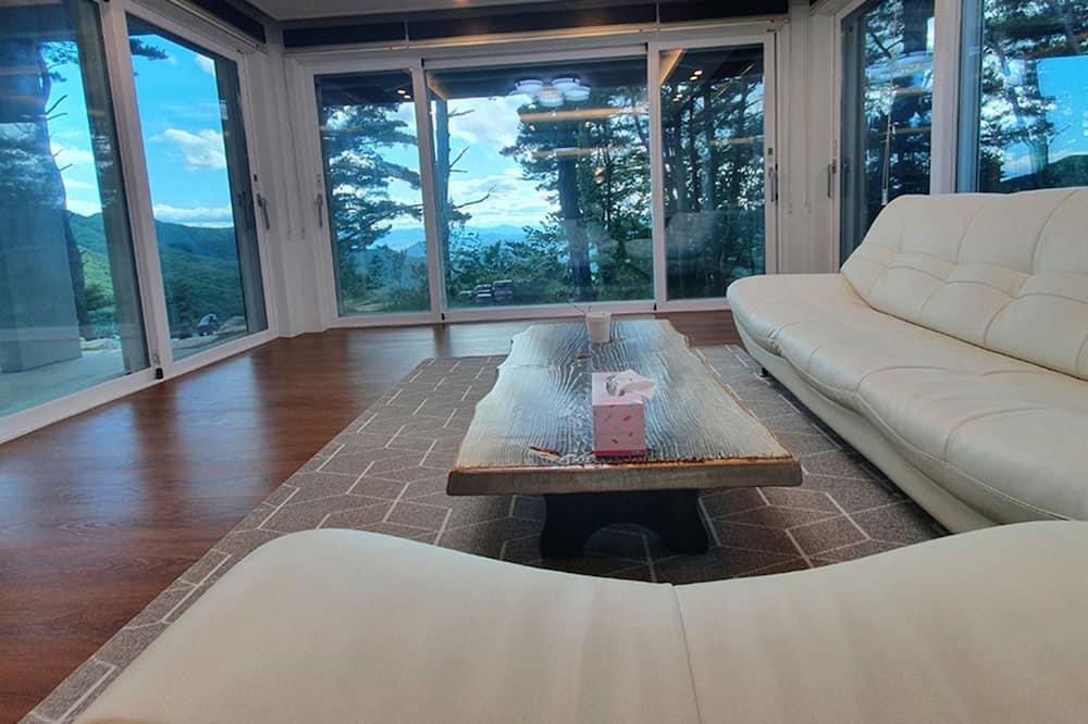 Camera familiare - Soggiorno