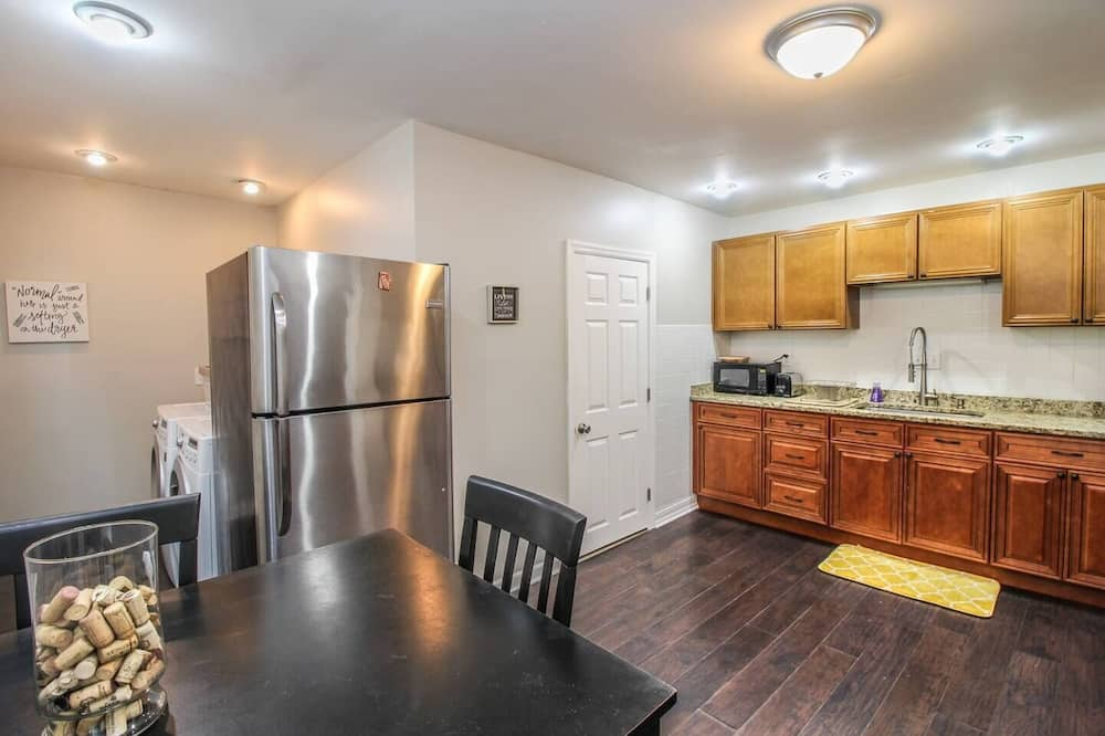 Updated Historic Condo - Minutes From Downtown