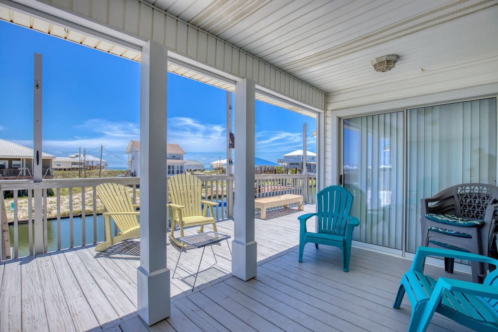 House, Multiple Beds (Water's Edge - 2227 Mallard) - Balcony