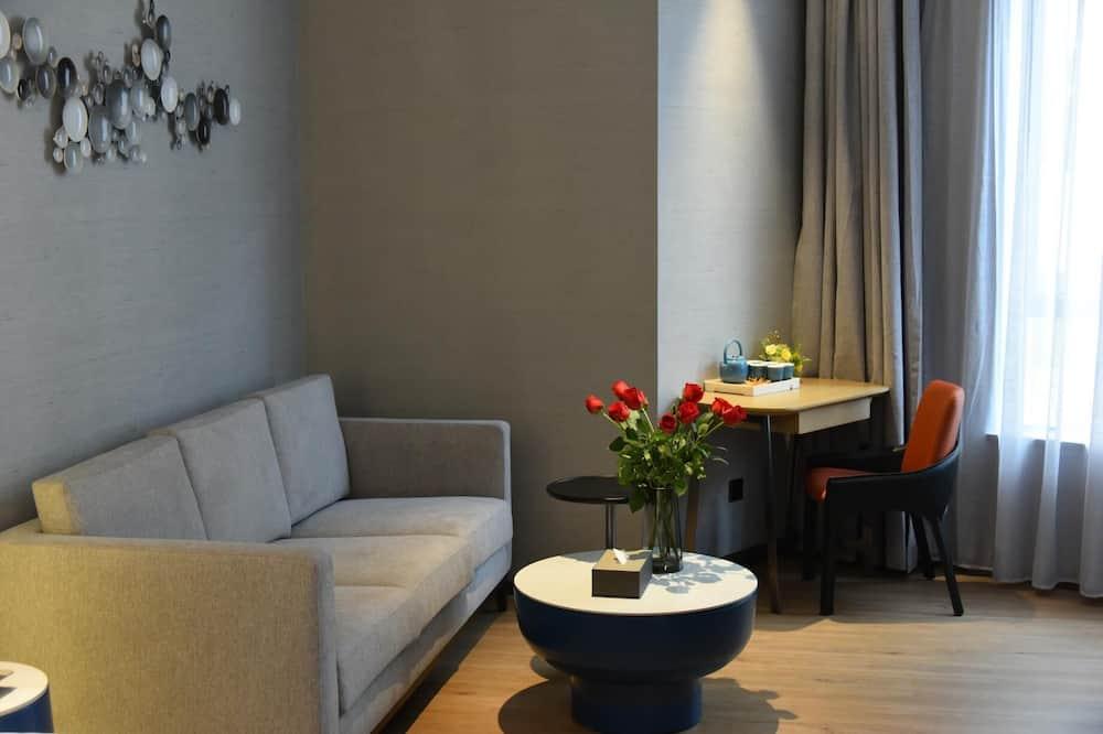 City Leisure Suite - Living Area