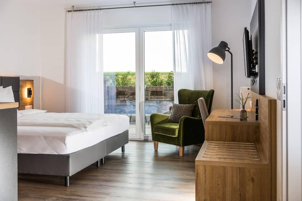 חדר פרימיום זוגי או טווין, חדר שינה אחד, ללא עישון, פטיו - אזור מגורים