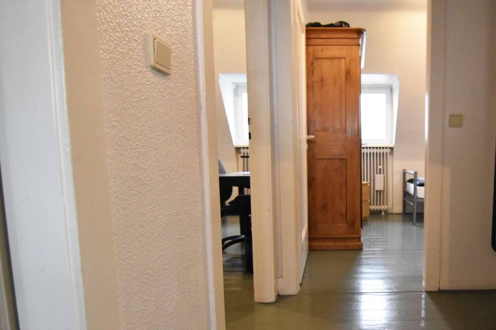 T15 Ferienwohnung in Troisdorf 4 mit voll eingerichtete Küche und W-Lan