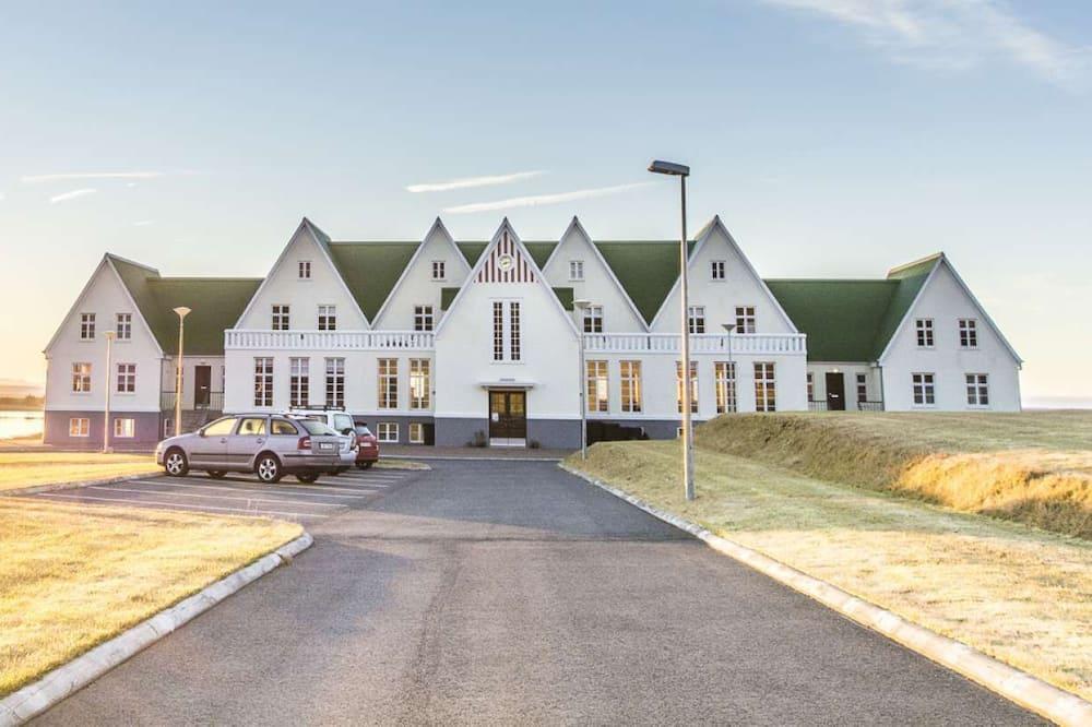 Héraðsskólinn Hostel Located in the Most Amazing Nature of Laugarvatn - Golden Circle