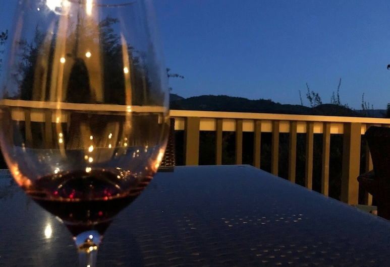 Wine-tasting, Light-filled And Kid-friendly House 5 Bedroom Home, Santa Rosa, House, 5 Bedrooms, Balcony