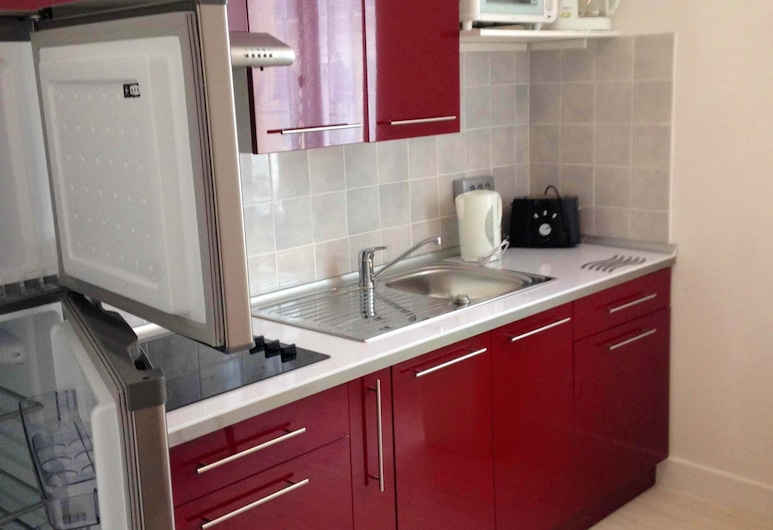 Apartment With 2 Bedrooms in Néris-les-bains, With Wifi, Neris-les-Bains