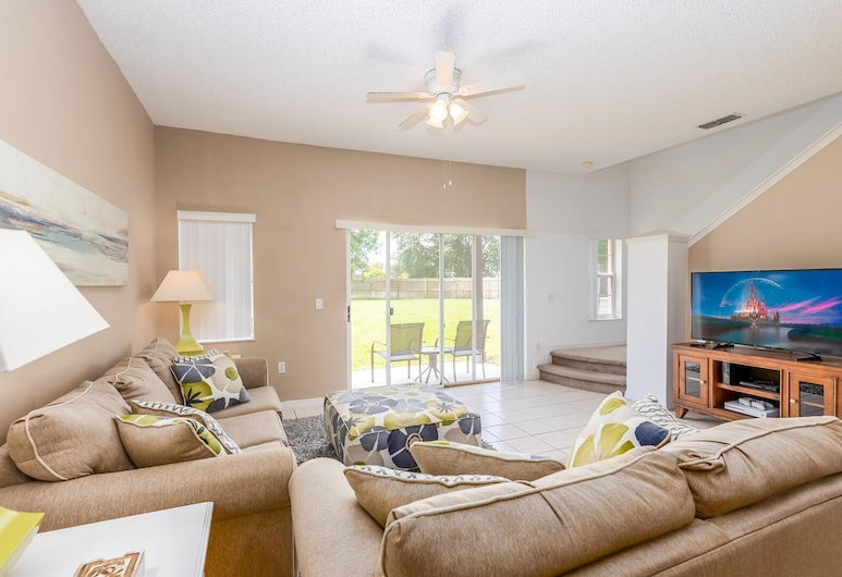 Cozzy Townhouse 3bdr 2Bth With Clubhouse pool and amenities, near Disney, Kissimmee