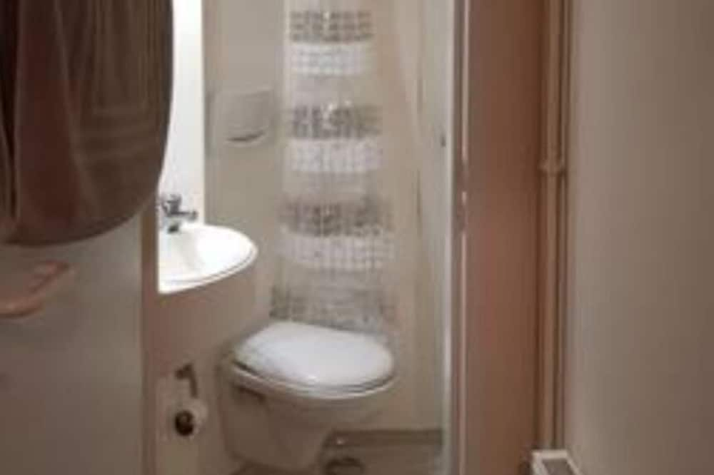 Deluxe Apartment, Shared Bathroom (Apartment 1) - Bathroom