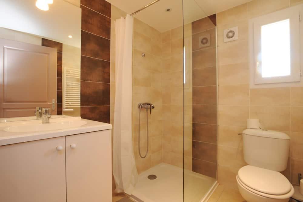 Семейный коттедж, для людей с ограниченными возможностями (gîte de france) - Ванная комната