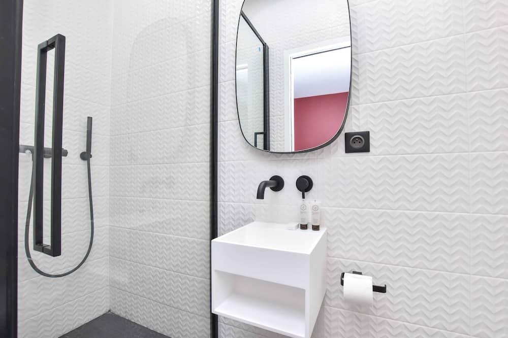 Basic Studio, 1 Double Bed - Bathroom