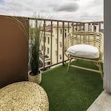 Apartamentai, iš miegamojo pasiekiamas vonios kambarys - Vaizdas iš balkono