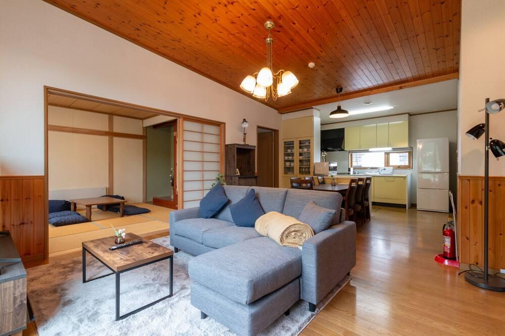 House, 4 Bedrooms, Non Smoking - Ruang Tamu