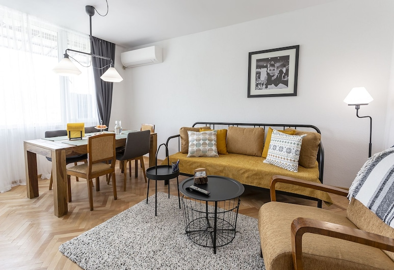 Spacious And Homey 2 Bed Apartment In The Center, Velingrad