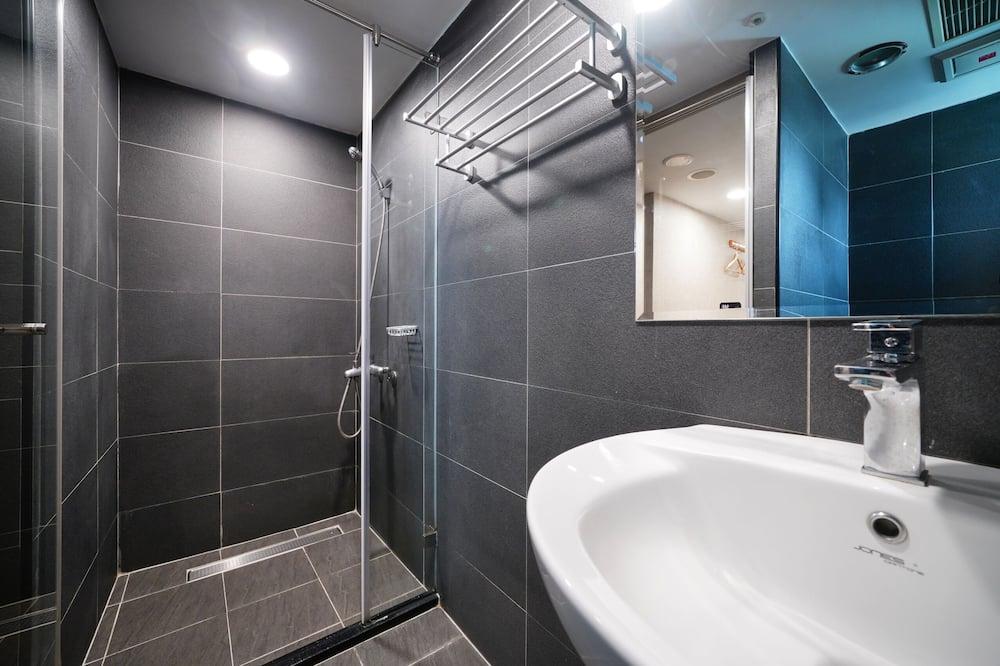 Jednolôžková izba, vlastná kúpeľňa - Kúpeľňa