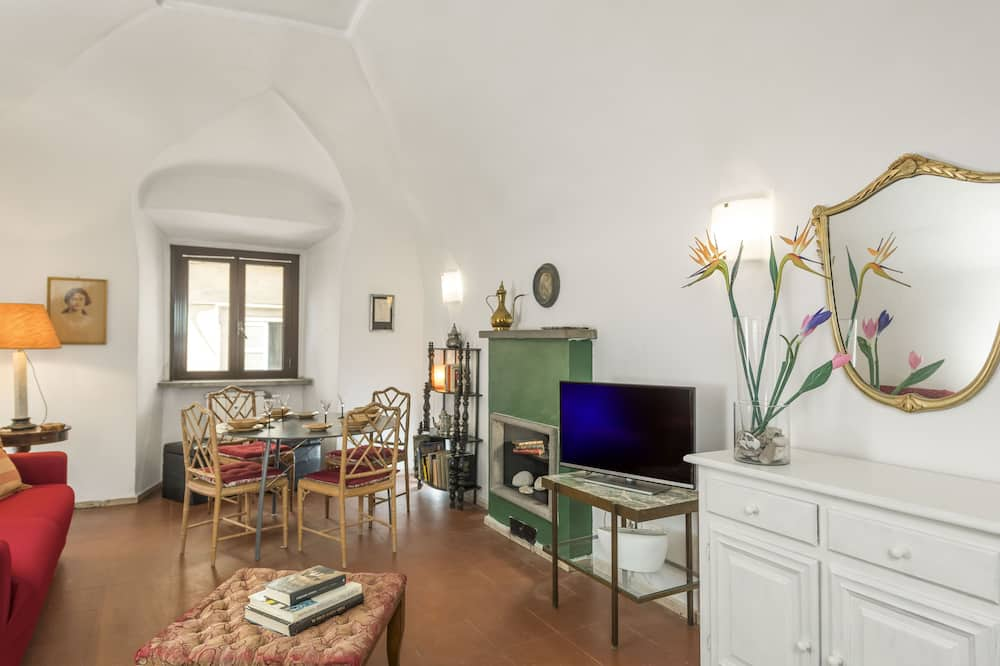 Apartment, 1 Bedroom, City View - Living Area