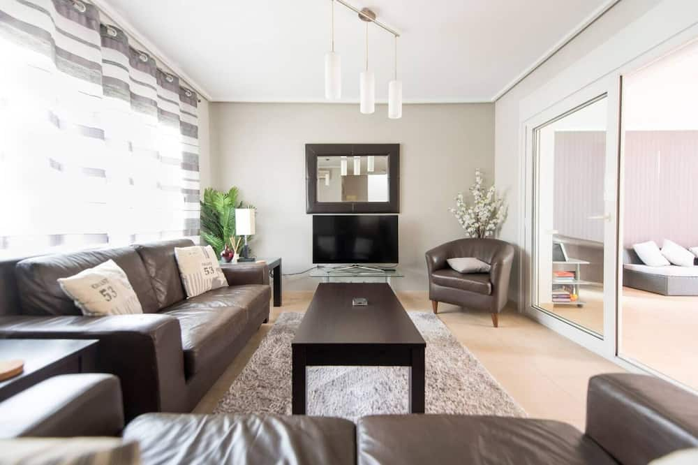 Villa, Multiple Beds - Living Room