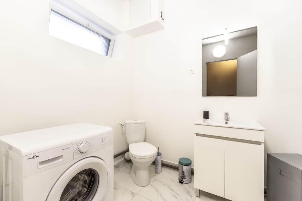 Apartment, Private Bathroom, Courtyard View (apt design et fonctionnel) - Bathroom