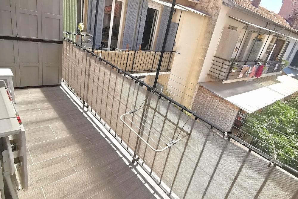 City Apartment - Balcony