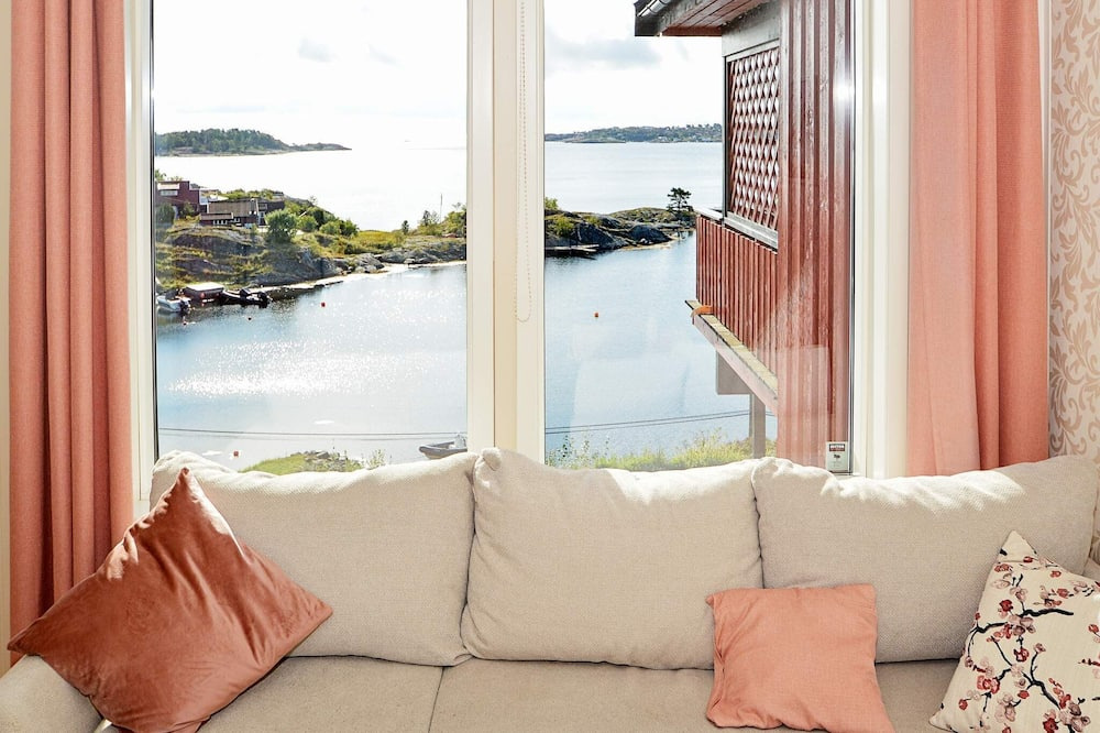 6 Person Holiday Home in Eydehavn