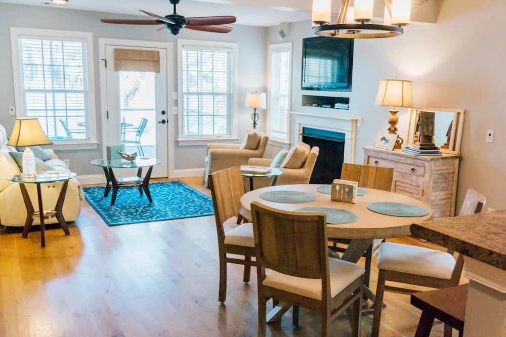 Beaufort - Periwinkle Place - Living Room