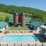 Overlook Manor - Pool
