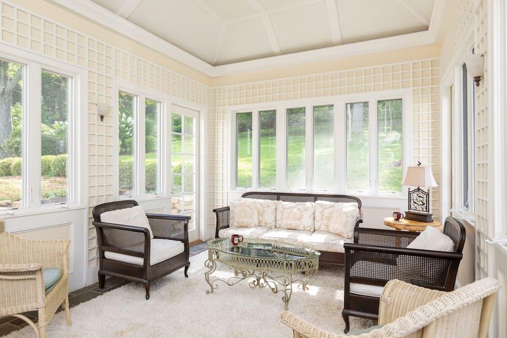 Overlook Manor - Living Room