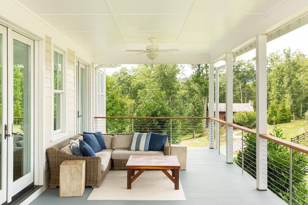 Springfield Cottage - Balcony