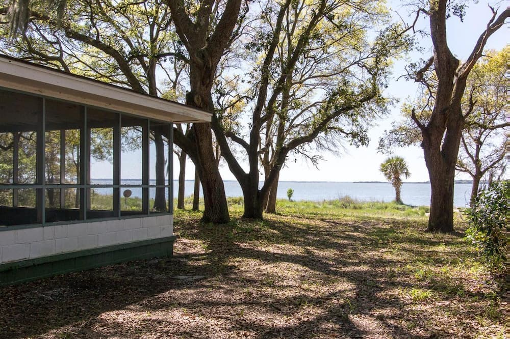 Beautiful Home in St. Helena Island With