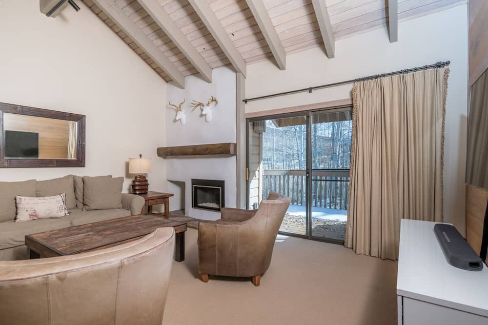 Snowcreek - 1564 - Living Room