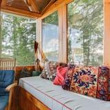 Lake Winni - WF - 304 - Living Room