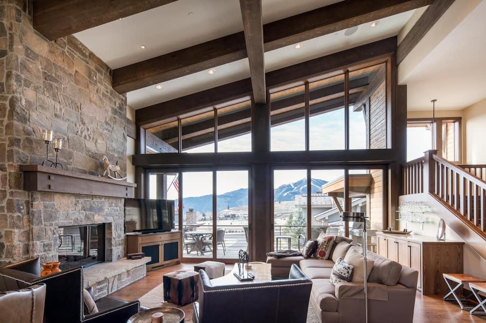 White Cloud 16 - Living Room