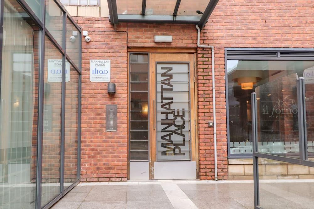 Apartment 32, Liverpool