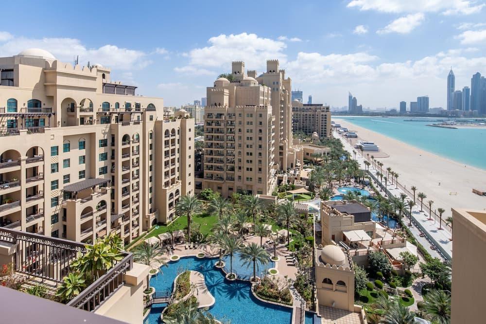 Premium Sky-high 3BR Penthouse in Fairmont North Residence, Dubai