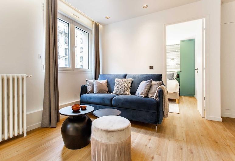 Amazing Apartment - 4p/1br - Canal Saint Martin - 2, פריז, סלון
