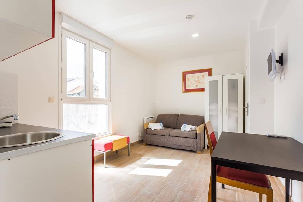 شقة إستديو بتجهيزات أساسية - غرفة معيشة