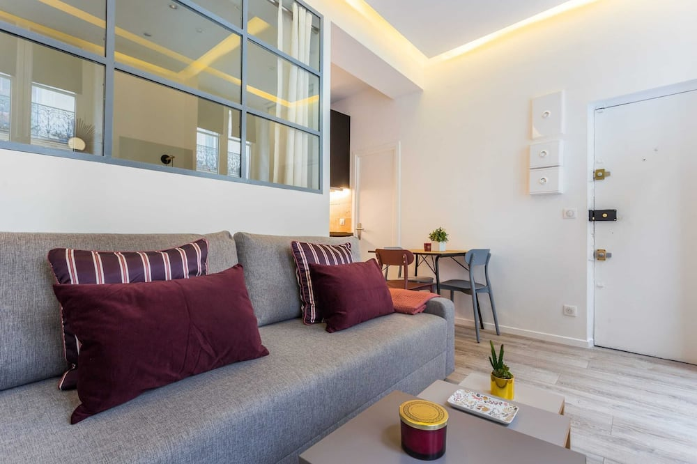 基本公寓, 1 張加大雙人床 - 客廳