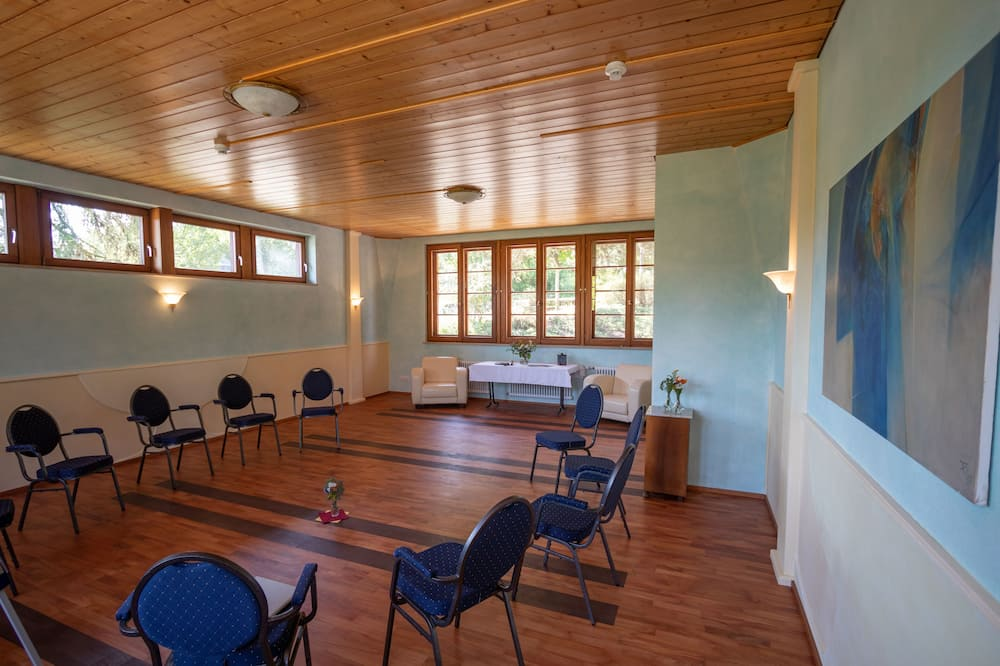House, Multiple Bedrooms (Gruppenreisen) - Ruang Tamu