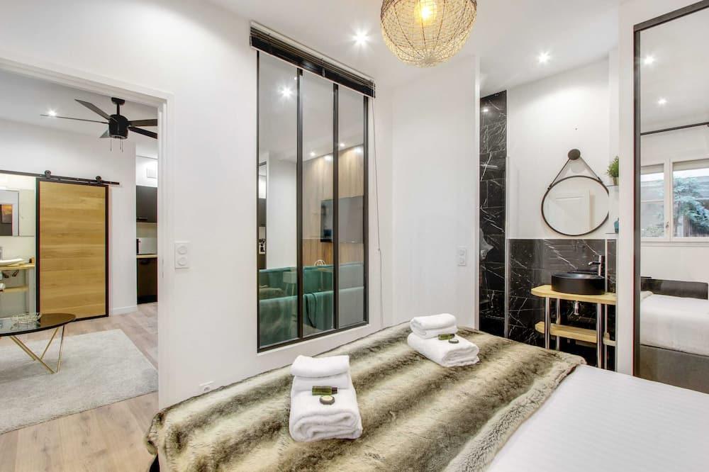 Apartment (Greneta) - Room