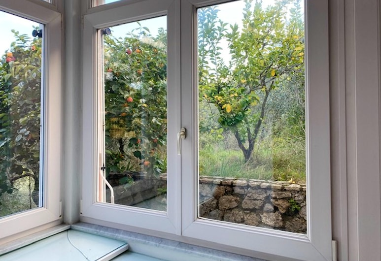 House With 2 Bedrooms in Lerici, With Wonderful sea View, Enclosed Garden and Wifi - 500 m From the Beach, ليريسي, غرفة معيشة