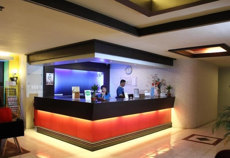 Hotel Camila 1, ديبولوج