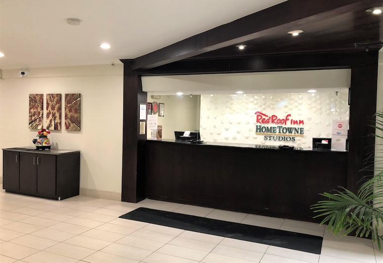 HomeTowne Studios by Red Roof Bordentown - McGuire AFB, Bordentown, Lobby