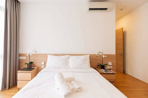 2br@orchard/city