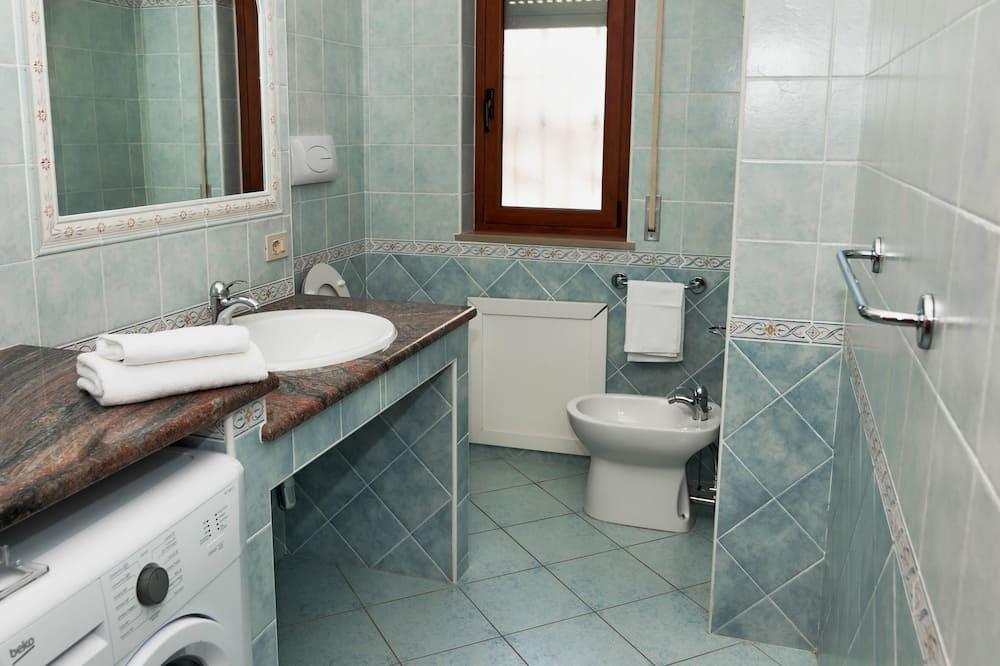 Apartament, 3 sypialnie - Łazienka