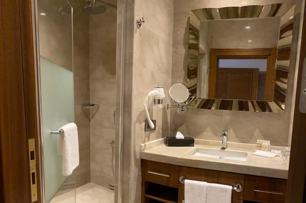 家庭套房, 多張床, 非吸煙房, 海景 - 浴室