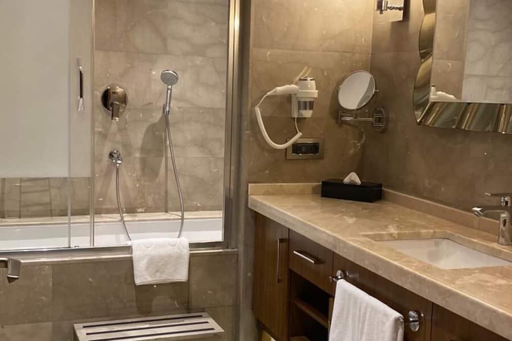 家庭客房, 多張床, 非吸煙房, 海景 - 浴室