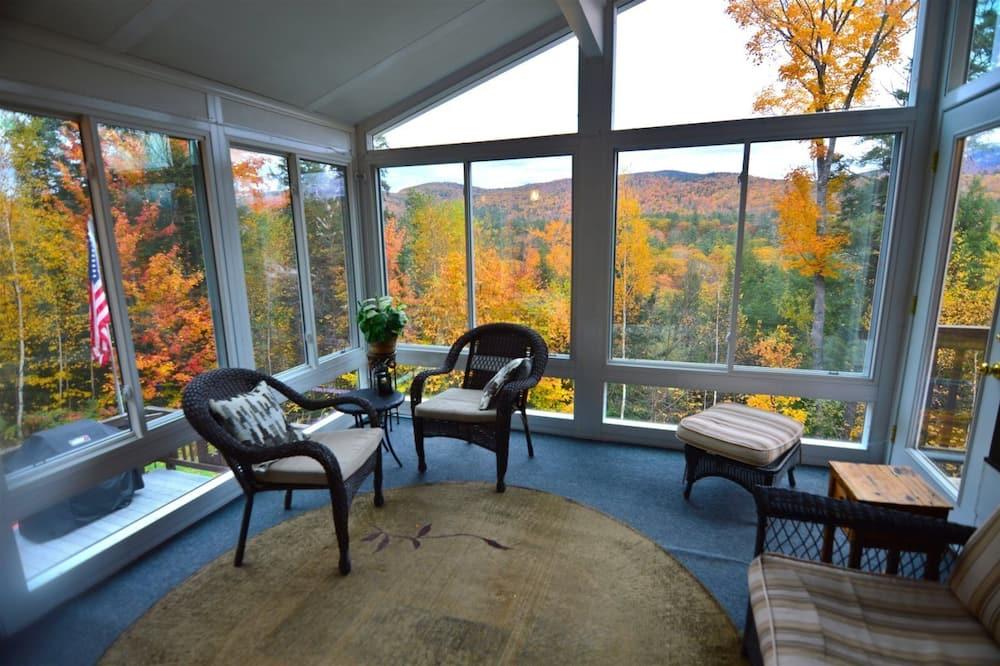 Huis (Welch View 68, Thornton) - Balkon