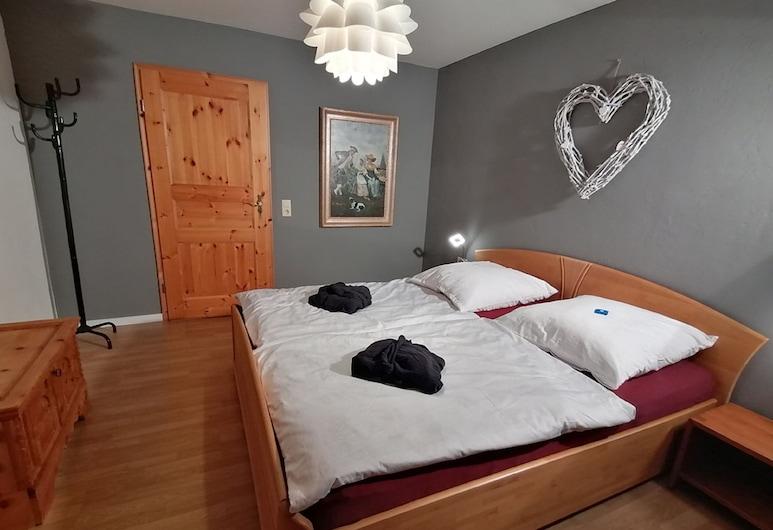 Komfort Feriendomizil JAKOBI, Dietfurt, Apartment, Room