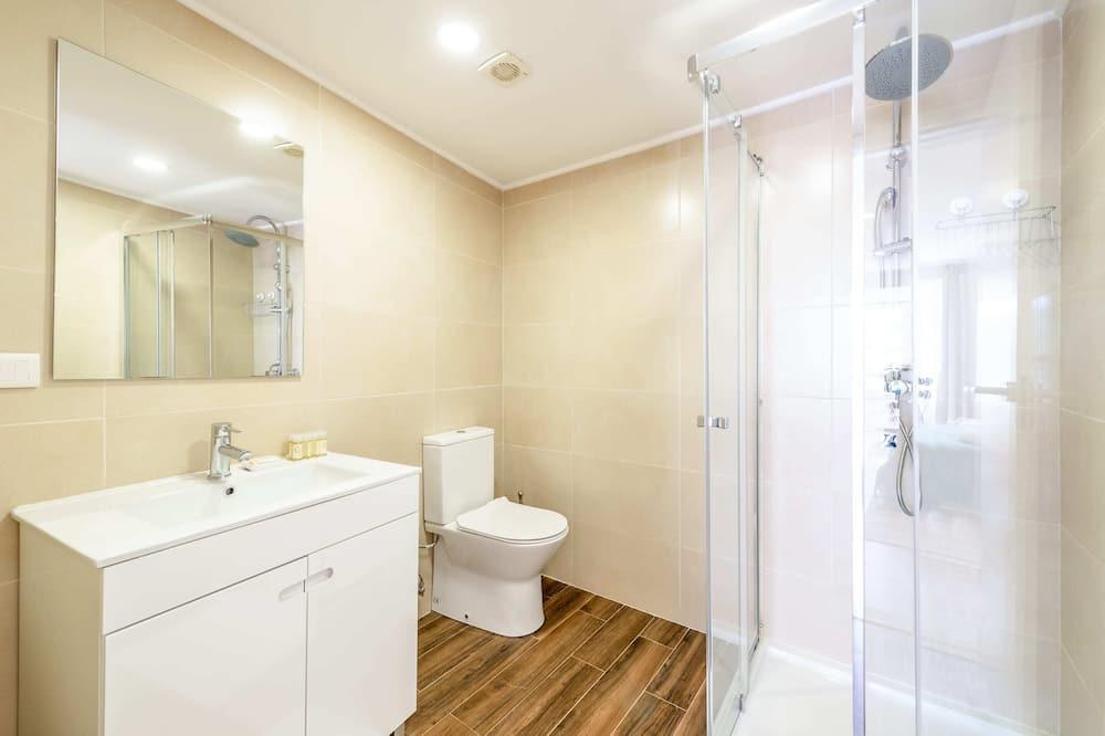 Căn hộ cơ bản, Nhiều giường - Phòng tắm